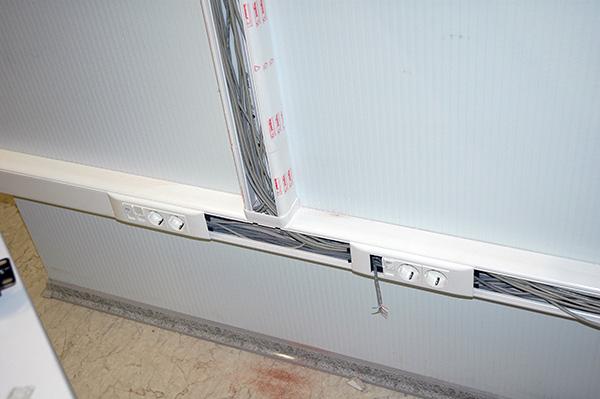 Розетка четверная с заземлением для любых суппортов с отверстиями ... f9646379542