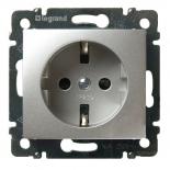 770211 - Розетка электрическая c заземлением, шторками и автоматическими клеммами Легран Валена (алюминий)