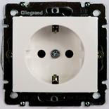 774421 - Розетка электрическая c заземлением со шторками Legrand Valena (белая)