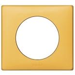068671 - Рамка однопостовая Legrand Celiane, 90×82мм, пластик (шафран)