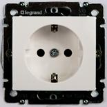 774222 - Розетка электрическая c заземлением, шторками и автоматическими клеммами Legrand Valena (белая)